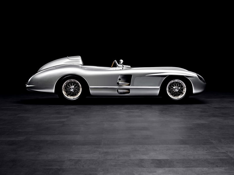 mercedes-benz-slr-stirling-moss-classic-studio_w800