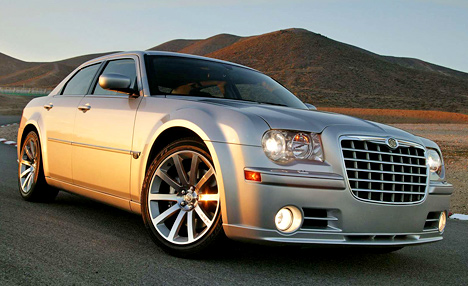 chrysler-18-300c-srt8-2005